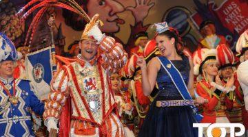 Prinz Christian III. und Venetia Alina genießen ihren Auftritt bei der Fernsehsitzung