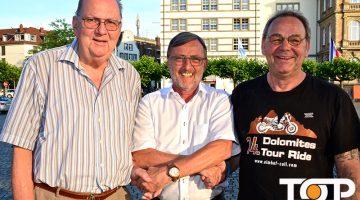 CC-Präsident Michael Laumann (Mitte) freut sich über die Wahl