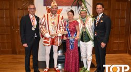 Das Düsseldorfer Prinzenpaar  mit dem Aachener Prinzen Mike der Erste